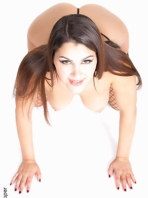 Valentina Nappi Bound & Tight desktop nude